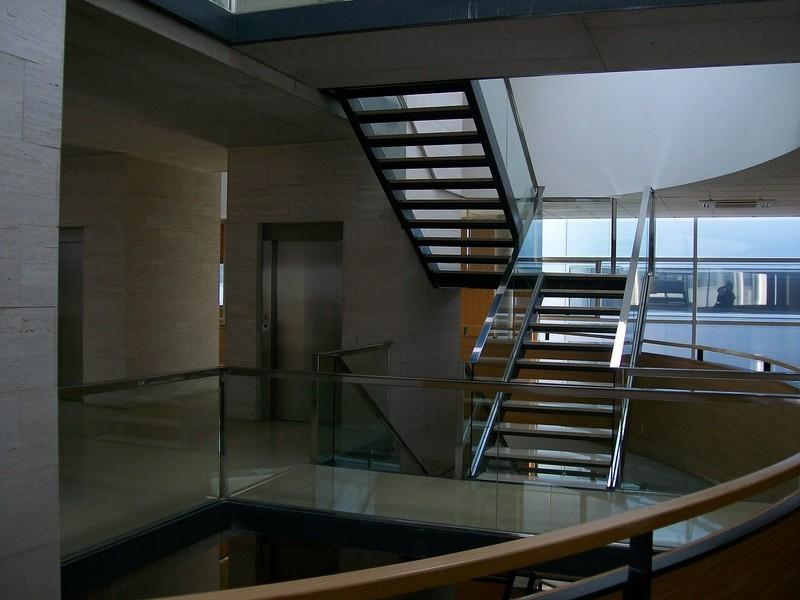 Aspro andaluc a inmobiliaria oficinas edificio corona center for Buscador oficinas bancarias